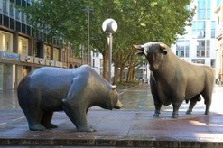 bull and bear statue Wall Street